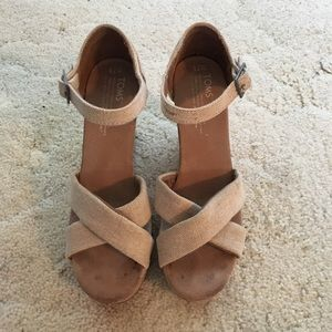 Toms cross cross sandal wedges with cork platform